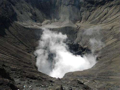 kawah-gunung-bromo.jpg