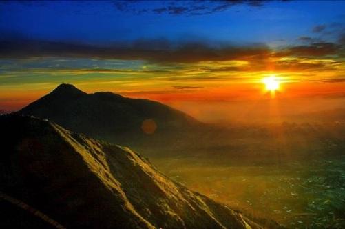 gunung-andong-magelang-jawa-tengah-pemandangan-dari-puncak-gunung-andong-4