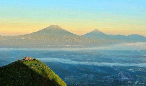 puncak-gunung-andong-magelang1-e1465482823800-1