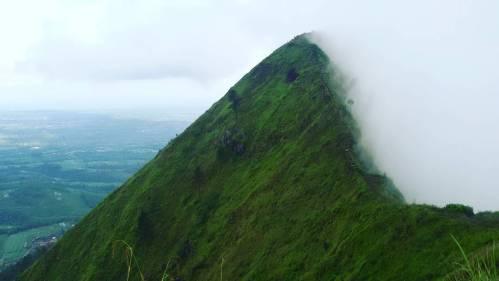 puncak-gunung-andong-magelang2