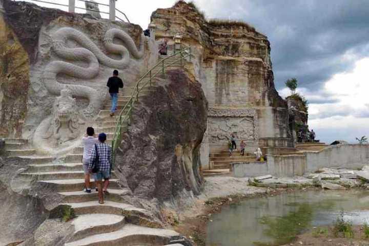 Tempat Wisata di Jogja : Taman Tebing Breksi