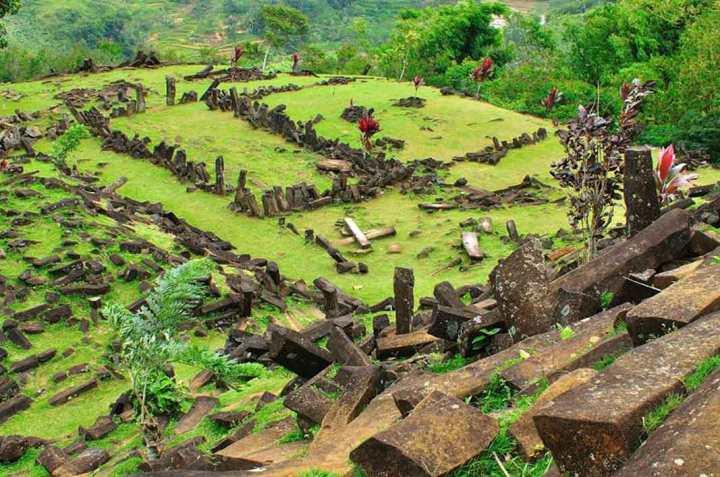 Fakta dan Misteri Situs Gunung Padang