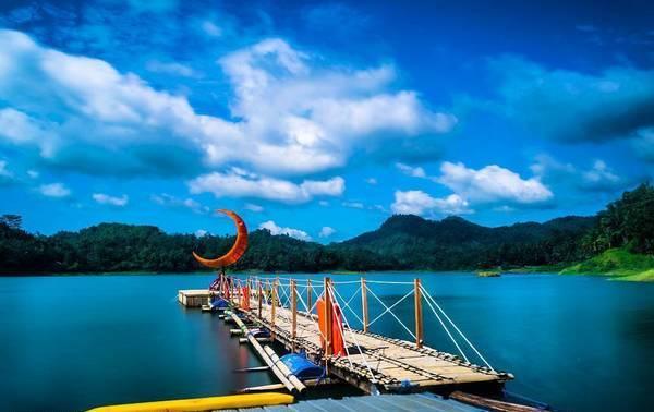 Tempat Wisata di Jogja Taman Bambu Air Waduk Sermo
