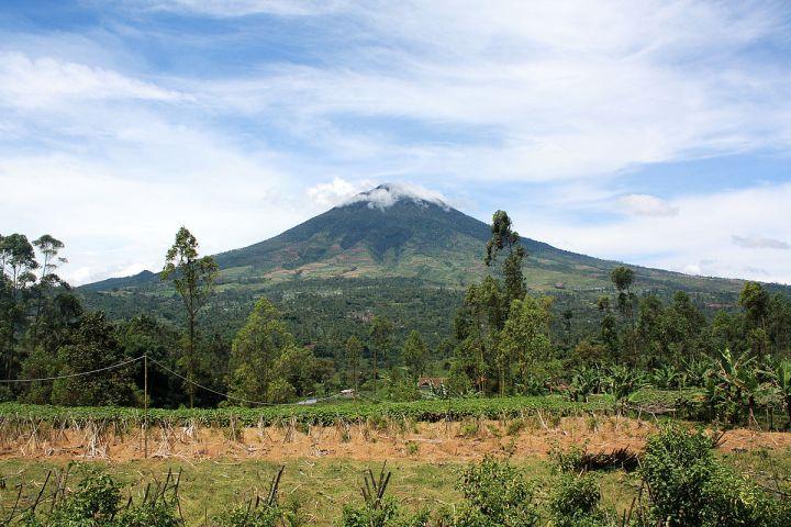 gunung cikuray gunung tertinggi di jawa barat