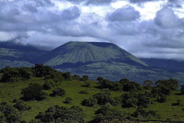 7 gunung tertinggi di Indonesia gunung sanggar
