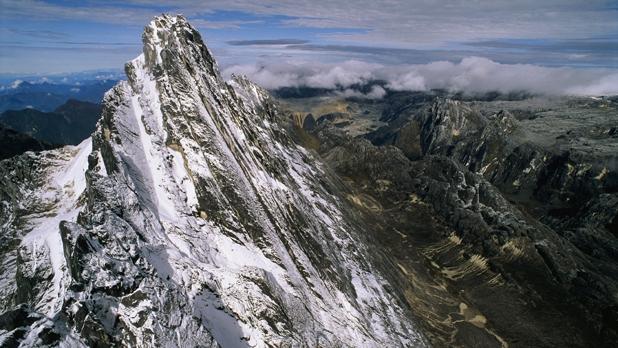 7 gunung tertinggi di Indonesia puncak jaya