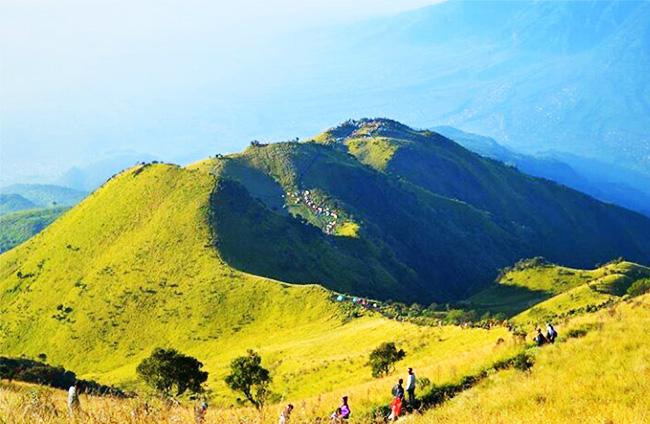gunung tertinggi di jawa tengah - Gunung Merbabu