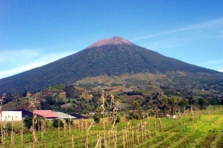 gunung tertinggi di jawa tengah - gunung slamet