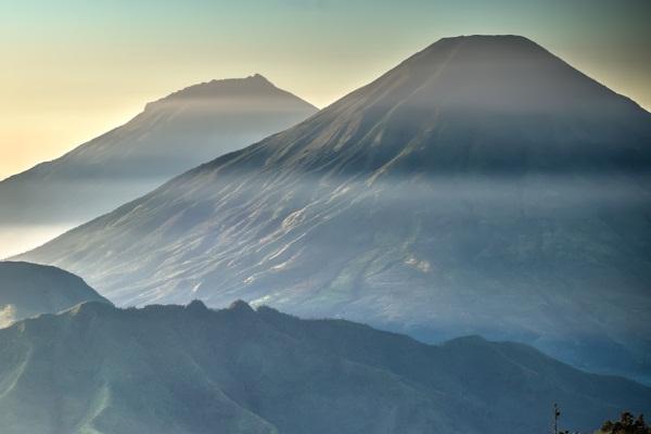 gunung tertinggi di jawa tengah - gunung sumbing