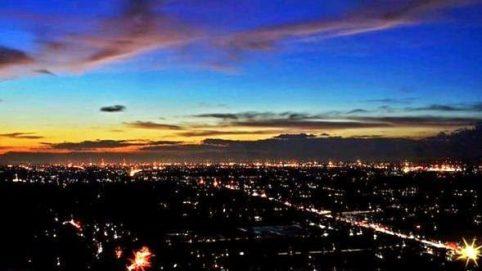 Wisata Malam Jogja Dengan Spot Foto Keren dan Terbaru Bukit Bintang Jogja