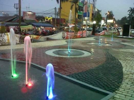 Tempat Wisata Malam di Bogor Taman Air Mancur Bogor